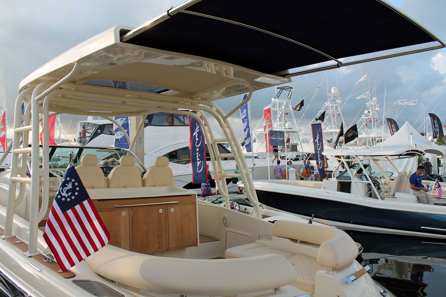 Pleasure Cabin and Express Cruiser Boats | SureShade
